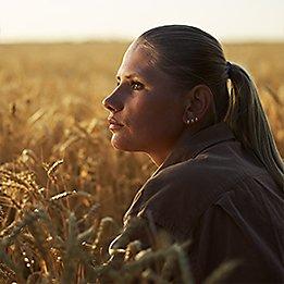 Woman_in_Wheat_Closeup_261x261