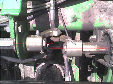 Planter shaft alignment