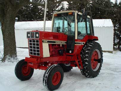 Photo showing an International Harvester 1086 tractor, commonly used 1976-1981, weighing 12,715 lbs.