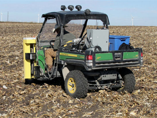 soil sampling with mounted hydraulic sampler